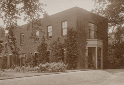 The Old Rectory, Hawarden, c1910 (PH-28(G)-10)/Yr Hen Reithordy, Penarlag, c1910